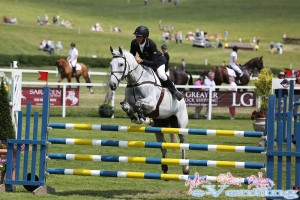 Andrew Nicholson riding Avebury hold on to their lead in section A of the CIC***